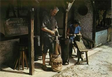 """/ CPSM FRANCE 33 """"Village médiéval de la Hume, l'atelier du tonnelier d'art"""""""