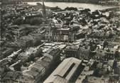 """33 Gironde / CPSM FRANCE 33 """"Libourne, vue aérienne centrale avec hôtel de ville"""""""