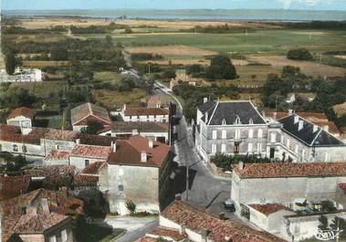 """/ CPSM FRANCE 33 """"Saint Yzans de Médoc, le centre"""""""
