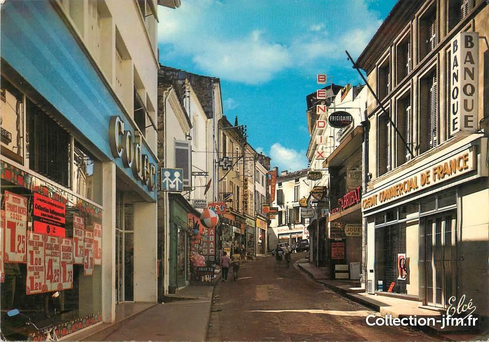 """/ CPSM FRANCE 33 """"La Réole, Rue Amand Caduc"""""""