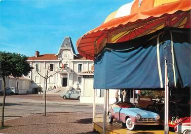 """/ CPSM FRANCE 33 """"Soulac sur Mer, l'hôtel de ville"""" / MANEGE"""