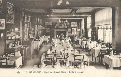 "/ CPA FRANCE 14 ""Honfleur, hôtel du Cheval Blanc"""