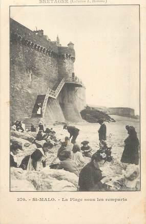 """/ CPA FRANCE 35 """"Saint Malo, la plage sous les remparts"""""""