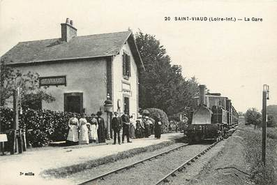 "CPA FRANCE 44 ""Saint Viaud, la gare"" / TRAIN"
