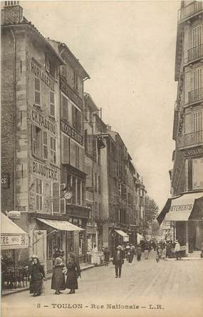 """CPA FRANCE 83 """"Toulon, rue Nationale"""""""