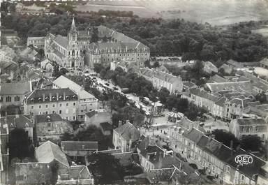 """/ CPSM FRANCE 36 """"Issoudun, la basilique Notre Dame de Sacré Coeur"""""""