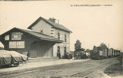 "CPA FRANCE 44 ""Vieillevigne, la gare"" / TRAIN"
