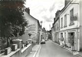 """37 Indre Et Loire / CPSM FRANCE 37 """"Vouvray, la rue du commerce"""""""
