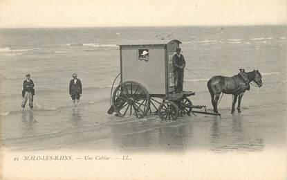 "/ CPA FRANCE 59 ""Malo Les Bains, une cabine"" / CHEVAL"