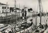 """17 Charente Maritime / CPSM FRANCE 17 """"Ile de ré, le port de la Flotte"""""""