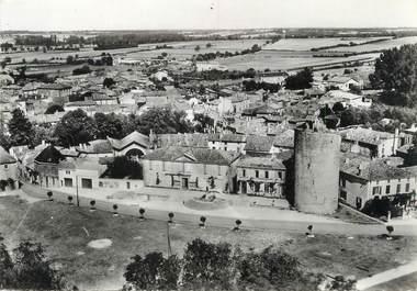"""/ CPSM FRANCE 17 """" Aulnay de Saintonge, la tour, l'hôtel de ville et la poste"""""""