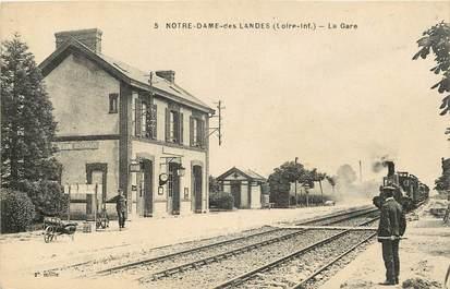 """CPA FRANCE 44 """"Notre Dame des Landes, la gare"""" / TRAIN"""
