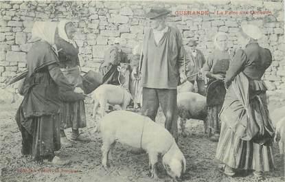 """CPA FRANCE 44 """"Guérande, la foire aux cochons"""""""