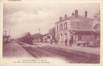 """CPA FRANCE 22  """"Chatelaudren, la Gare"""" / TRAIN"""