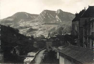 """/ CPSM FRANCE 39 """"Salins Les Bains, la furieuse et le mont Poupet"""""""