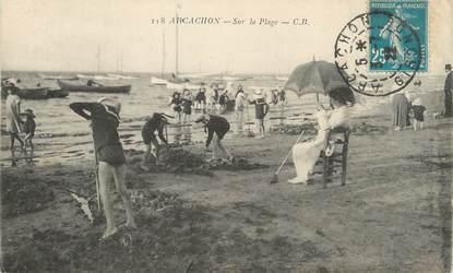 """/ CPA FRANCE 33 """"Arcachon, sur la plage"""" / FLAMME"""
