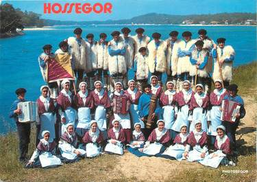 """/ CPSM FRANCE 40 """"Hossegor"""" /  GROUPE FOLKLORIQUE"""