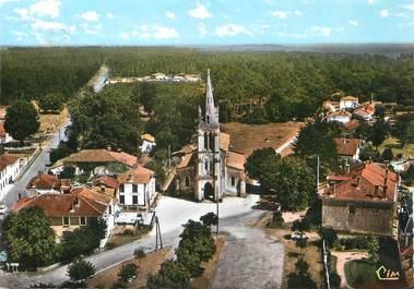 """/ CPSM FRANCE 40 """"Pissos, vue aérienne, la place de l'église"""""""