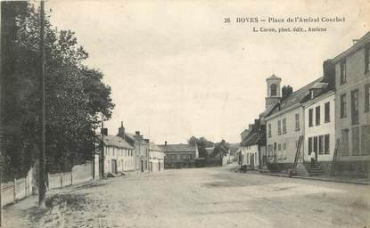 "CPA FRANCE 80 ""Boves, Place de l'Amiral Courbet"""