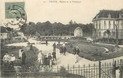 """/ CPA FRANCE 10 """"Troyes, square de la Préfecture"""""""