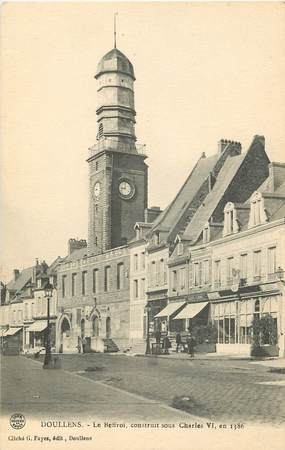 """CPA FRANCE 80 """"Doullens, le Beffroi"""""""