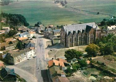 """/ CPSM FRANCE 44 """"Rouans, l'église et le centre du Bourg"""""""