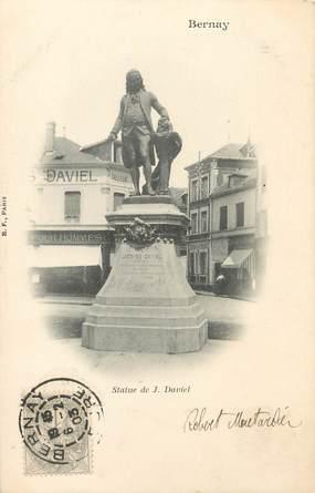 "/ CPA FRANCE 27 ""Bernay, Statue de J. Daviel"""