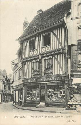 """/ CPA FRANCE 27 """"Louviers, maison du XVI siècles, place de la Halle"""""""