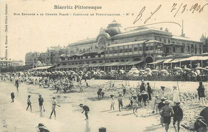 """/ CPA FRANCE 64 """"Biarritz Pittoresque, nos enfants à la grande plage, concours de fortifications nr 9"""""""