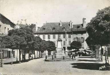"""/ CPSM FRANCE 48 """"Marvejols, place Thiers et monument"""""""