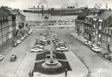 """/ CPSM FRANCE 50 """"Cherbourg, place de la République"""""""