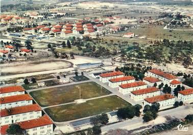 """/ CPSM FRANCE 51 """"Mourmelon, vue aérienne sur le Camp"""" / STADE"""
