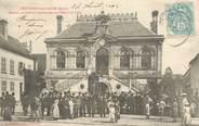 """02 Aisne CPA  FRANCE 02 """"BRuyères sous Laon, fanfare devant l'Hotel de ville"""""""