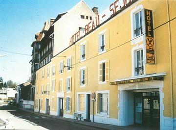 """/ CPSM FRANCE 52 """"Bourbonne Les Bains, hôtel restaurant Beau Séjour"""""""
