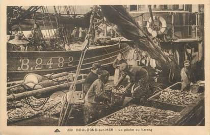 """/ CPA FRANCE 62 """"Boulogne sur Mer, la pêche du hareng"""""""