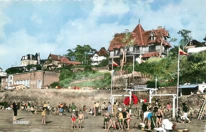 """/ CPSM FRANCE 14 """"Villerville, de la plage, vue du Casino et du petit manoir"""""""