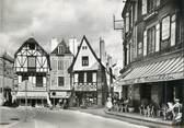 """56 Morbihan / CPSM FRANCE 56 """"Auray, vieilles maisons et hôtel du pavillon, place de la République"""""""