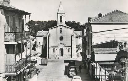 """/ CPSM FRANCE 83 """"Presqu'ile de Giens, place de l'église"""""""