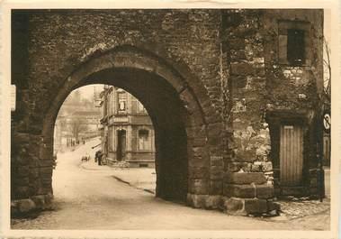 """/ CPSM FRANCE 57 """"Sarralbe, la vieille tour, la porte"""""""