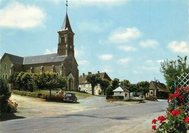 """/ CPSM FRANCE 58 """"La Nocle Maulaix, l'église et la place"""""""