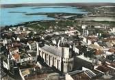 """13 Bouch Du Rhone / CPSM FRANCE 13 """"Les Saintes Maries de la Mer, l'église, monument historique"""""""