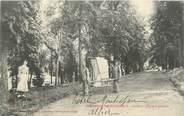 """03 Allier / CPA FRANCE 03 """"Bourbon l'Archambault, le parc, chaise à porteurs"""""""