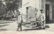 """03 Allier / CPA FRANCE 03 """"Bourbon l'Archambault, chaise à porteur """""""