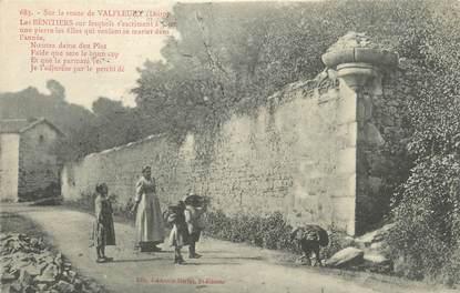"""/ CPA FRANCE 42 """"Sur la route de Valfleury"""""""