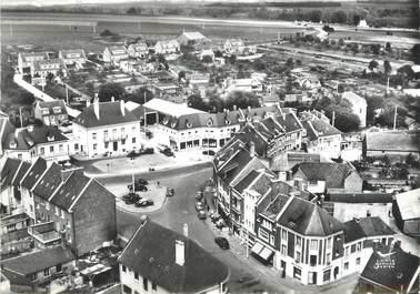 """/ CPSM FRANCE 60 """"Breteuil sur Noye, vue d'ensemble, la mairie"""""""