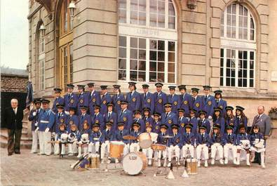 """/ CPSM FRANCE 60 """"Neuilly en Thelle"""" / FANFARE"""