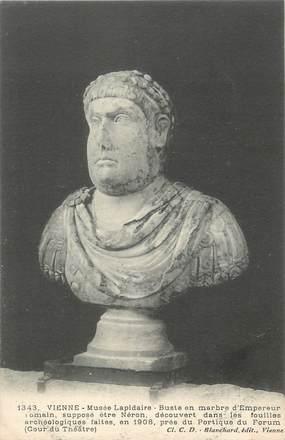 """/ CPA FRANCE 38 """"Vienne, musée Lapidaire, buste en marbre d'empereur Romain"""""""