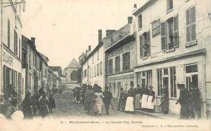 "CPA FRANCE 78 ""Mézières sur Seine, la grande rue"""