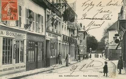 """CPA FRANCE 78 """"Rambouillet, la rue Nationale, Restaurant du Coq Hardi et l'Hotel de la Croix Blanche"""""""