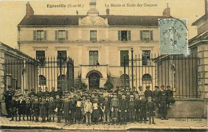 """CPA FRANCE 77 """"Egreville, la mairie et Ecole de garçons"""""""